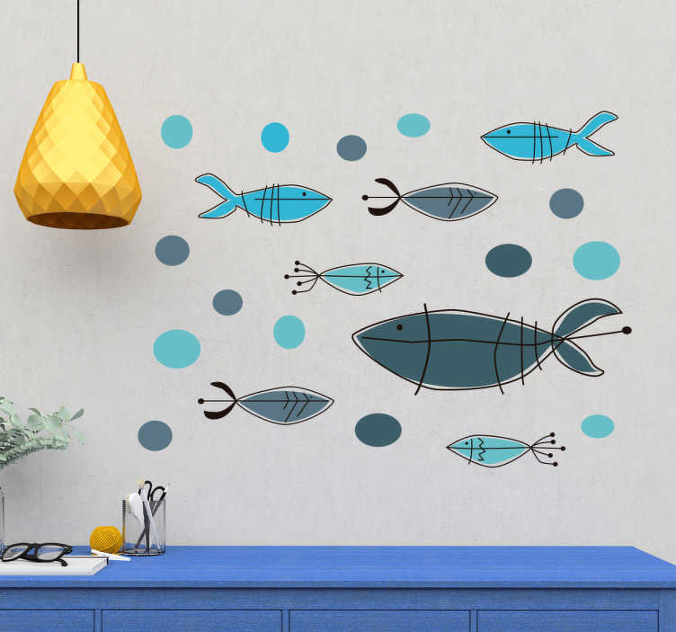 TenStickers. Naklejka winylowa rybki. Naklejka winylowa w kolorwe rybki Naklejka świetnie nadawać będzie się w łaziencę czy salonie, napewno nada szyku i stylu pomieszczeniu w którym ją umieścisz Naklejka o wysokiej jakości wykonania, materiał użyty do jej produkcji to winyl, bardzo wytrzymały i długotrwały materiał