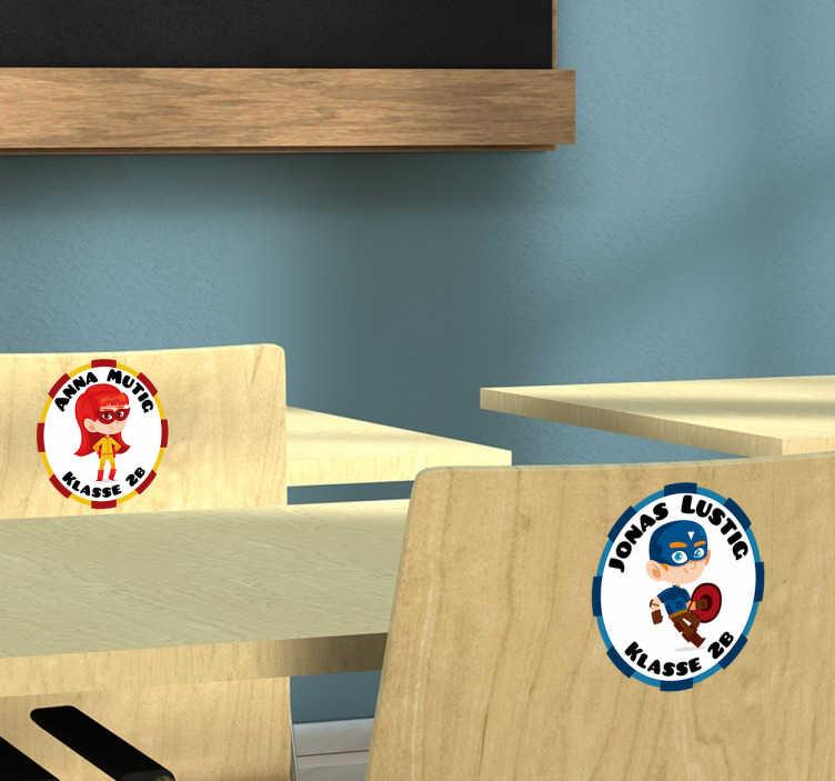 TenStickers. Namensaufkleber Schule Set Figuren. Süße Namensetiketten für die Schule, Kindergarten oder Ähnliches. Tolle Idee für die Einschulung oder neue Klassen.