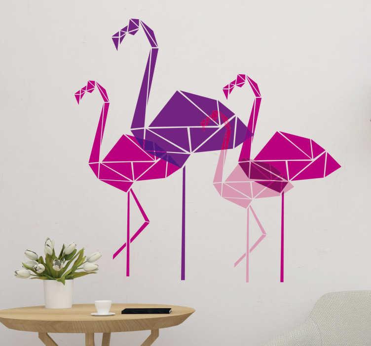 TenStickers. Muursticker flamingo's geometrisch. Deze muursticker met geometrische roze en paarse flamingo's zorgt gemakkelijk voor een leuke sfeer overal!