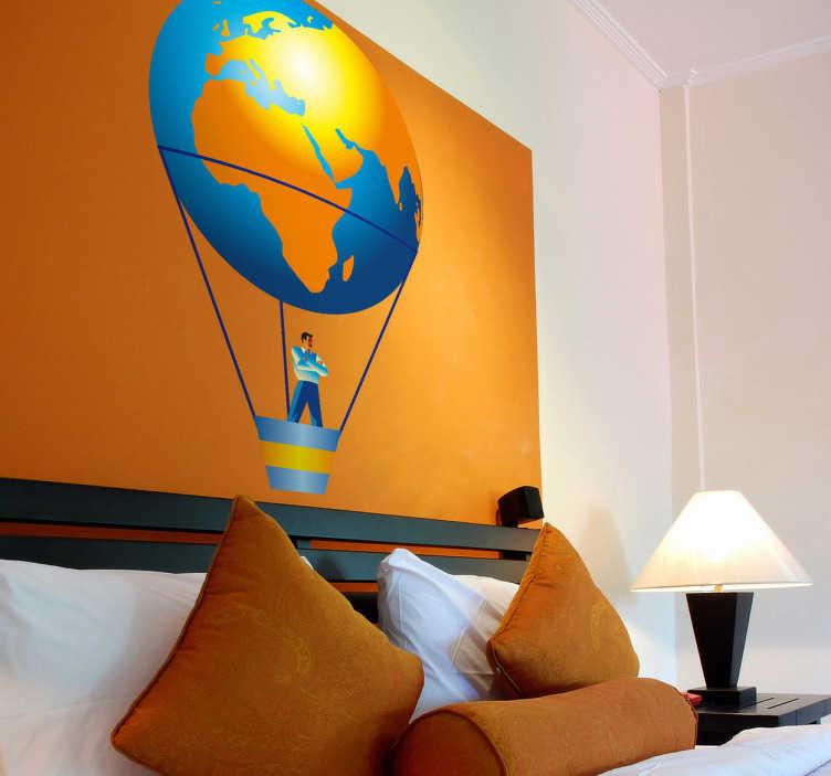 TenStickers. Naklejka na ścianę balon jako Ziemia. Naklejka na ścianę przedstawiająca balon imitujący planetę Ziemię, którym podrózuje mężczyzna. Dla wszystkich, którzy kochają podróże.