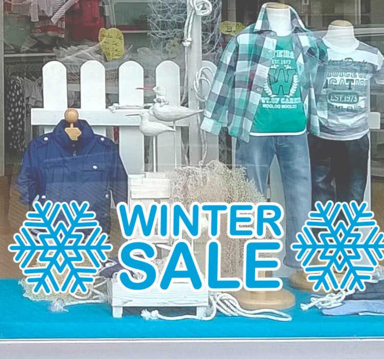 TenStickers. Reclame sticker winter sale. Doet u ook aan een winter sale met uw winkel? Promoot uw uitverkoop met een fraaie reclamesticker op de etalageruit.