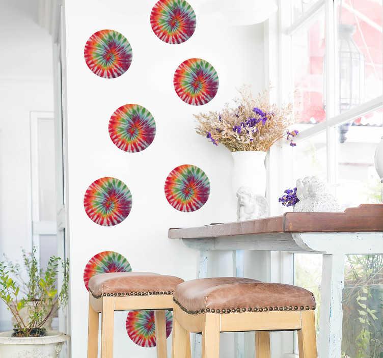 TenStickers. Vinil decorativo círculos Tie Dye. Enfeite as suas aborrecidas paredes com estes vinis decorativos com círculos com padrões de Tie Dye para dar outro estilo e outra cor à sua casa.