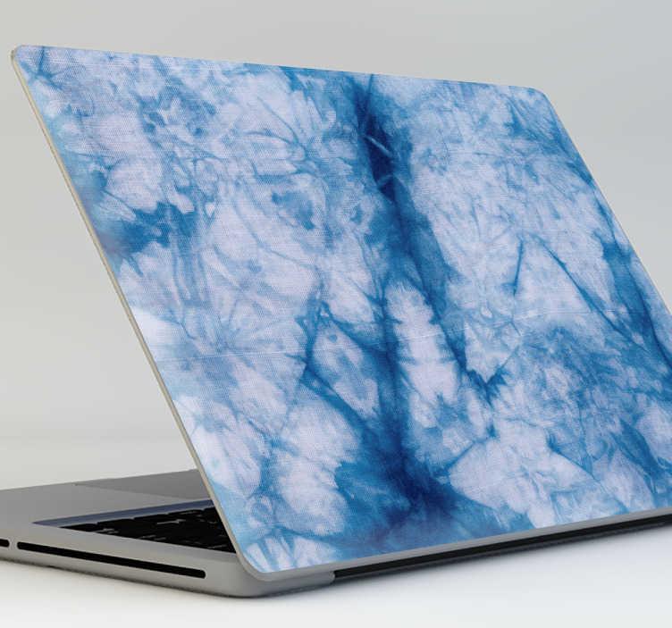 TenVinilo. Vinilo portátil Tie Dye azul. Skin adhesiva para tu ordenador con una çtextura basada en el estilo shibori japonés de tintado de telas, ideal para personalizar tu gusto portátil.