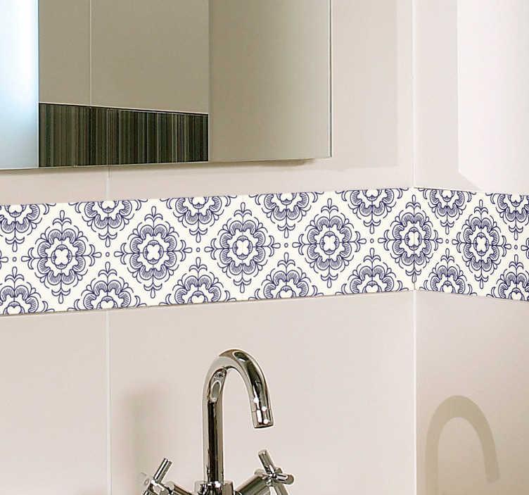 TenVinilo. Vinilo para baño azulejo vintage. Cenefa adhesiva simulando unas baldosas hidráulicas blancas con diseños en azul marino ideales para renovar baños. +50 Colores Disponibles.