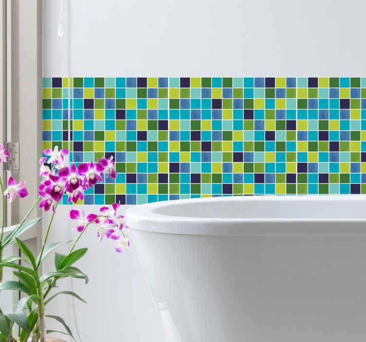 TenVinilo. Vinilo para azulejos baño vintage. Colorida cenefa adhesiva simulando una baldosa con un diseño de pequeños cuadrados en tonos verdes y azules. +10.000 Opiniones satisfactorias.
