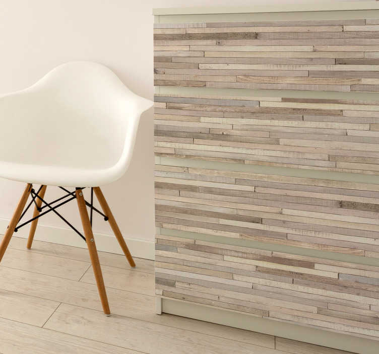 TenStickers. Hout sticker plinten. Deze leuke houtsticker zal de look van de kamer compleet veranderen. De sticker bestaat uit een design van dunne houten planken met verschillende kleuren.