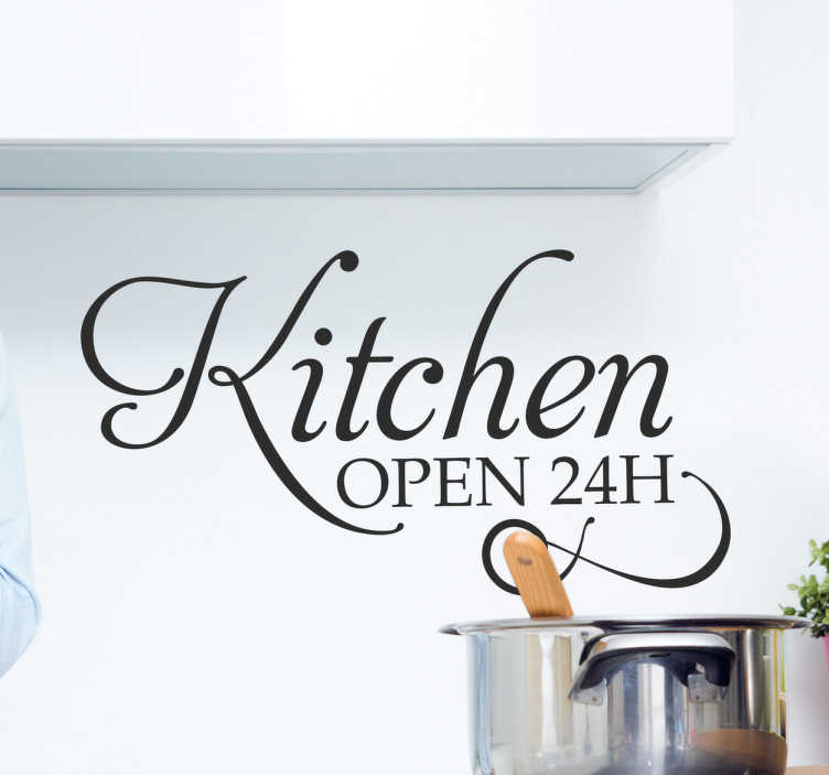 """Tenstickers. Sisustustarra Kitchen Open 24H. Sisustustarra Kitchen Open 24H. Kaunis tekstitarra keittiön sisustukseen, jossa on teksti """"Kitchen open 24H""""."""
