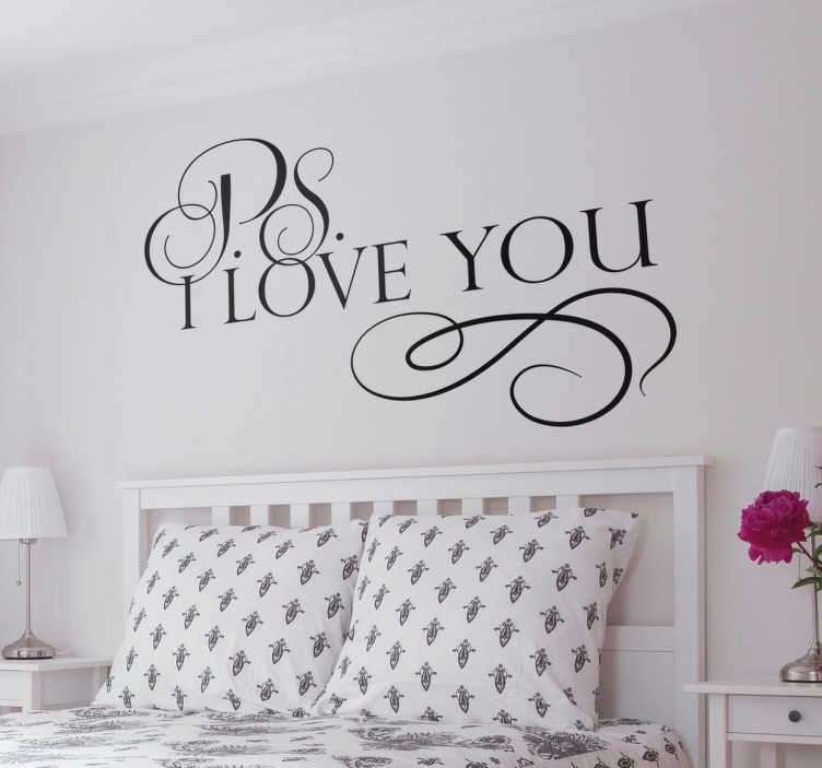 TenStickers. Adesivo decorativo PS I love you. Sticker murale in una scritta adesiva PS I Love You per decorare con amore  le pareti di casa