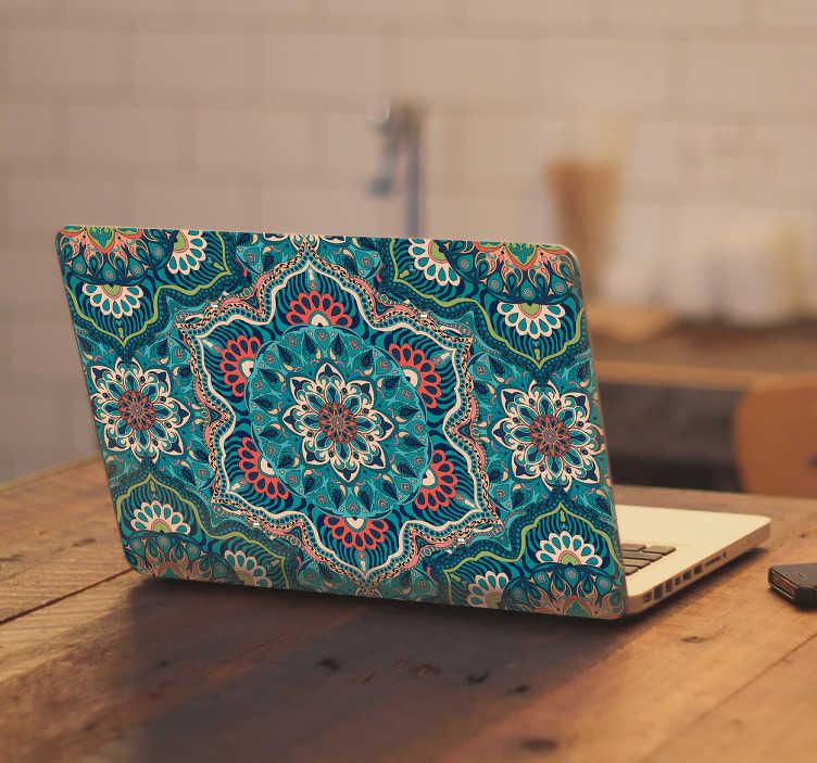 Tenstickers. Läppäritarra kuviollinen mandala. Läppäritarra kuviollinen mandala. Kaunis ja värikäs koristeellinen mandala koristetarra kannettavan tietokoneen kanteen.