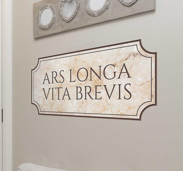 """TenStickers. Naklejka na ścianę cytat Hipokratesa. Naklejka na ścianę ze sławnym cytatem greckiego lekarza Hipokratesa """"Ars longa vita brevis"""" (""""Życie jest krótkie, a nauka sztuki długa""""). Jeśli jesteś fanem kultury starożytnej Grecji, ta naklejka jest idealna dla Ciebie! Codziennie nowe projekty naklejek!"""