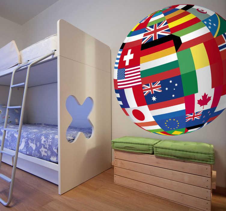 TenStickers. Naklejka na ścianę globus z flagami. Naklejka na ścianę w formie kuli ziemskiej, którą tworzą narodowe barwy różnych krajów. Ciekawy pomysł na dekorację Twojego salonu, czy sypialni.