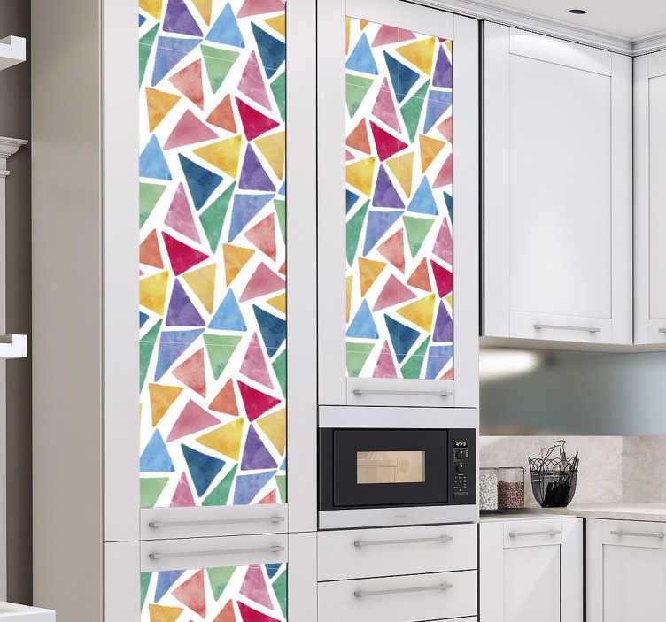 TenStickers. Meubelsticker gekleurde driehoeken. Decoreer de meubels met dit abstracte geometrische design van gekleurde driehoeken. Deze sticker heeft een patroon van driehoeken met veel verschillende velle kleuren en formaten.