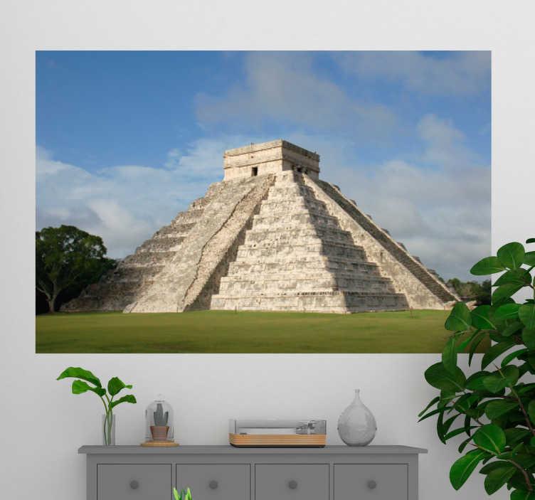 TenStickers. Mural de parede pirâmide chichén itzá. Autocolante decorativo de parede que ilustra uma das 7 maravilhas do mundo, a pirâmide chichén itzá, situada na cidade de Yucatán, México.