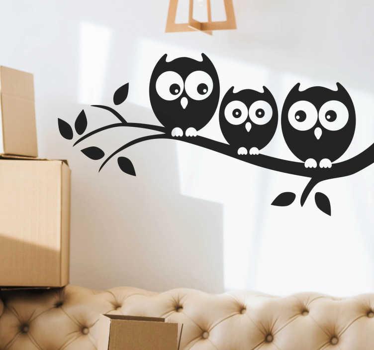 TenVinilo. Vinilo decorativo búhos en la rama. Paisaje infantil en vinilo adhesivo con el dibujo de una rama de árbol en la cual descansan tres divertidas lechuzas o búhos.