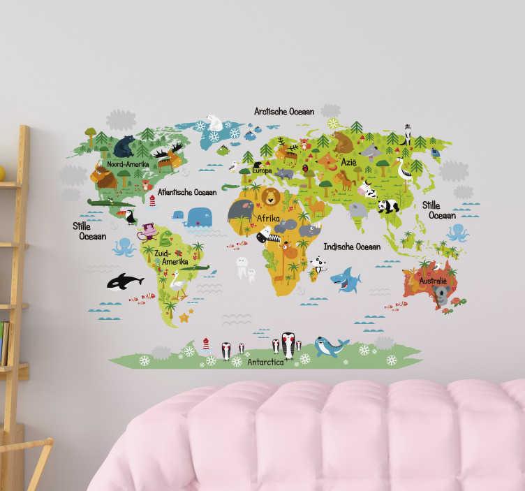 TenStickers. Muursticker wereldkaart dieren. Met deze muursticker met wereldkaart kunnen kinderen leuk zelf de wereld ontdekken. De wereldkaart sticker heeft gekleurde delen en veel dieren.