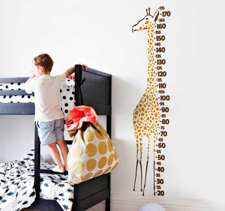 TenStickers. Naklejka miarka wzrostu żyrafa. Naklejka dla dzieci w kształcie żyrafy, która jest jednocześnie miarką. Dzięki tej wyjątkowej dekoracji, nie przegapisz najmniejszej zmiany w wyglądzie swojego dziecka!