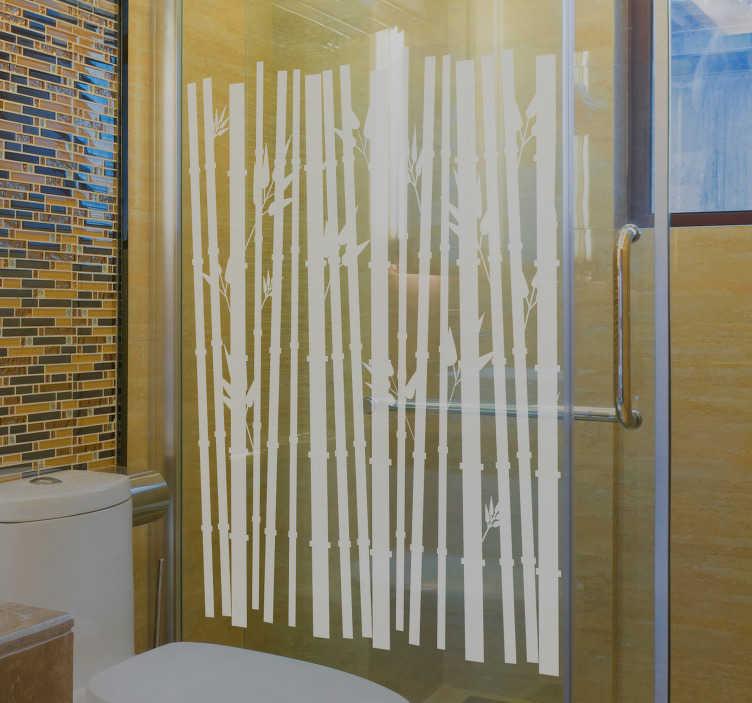 TenVinilo. Vinilo mampara ducha cañas de bambú. Vinilo cristal ácido con el dibujo de cañas de bambú que le darán un aspecto oriental a las hojas de cristal de tu ducha.