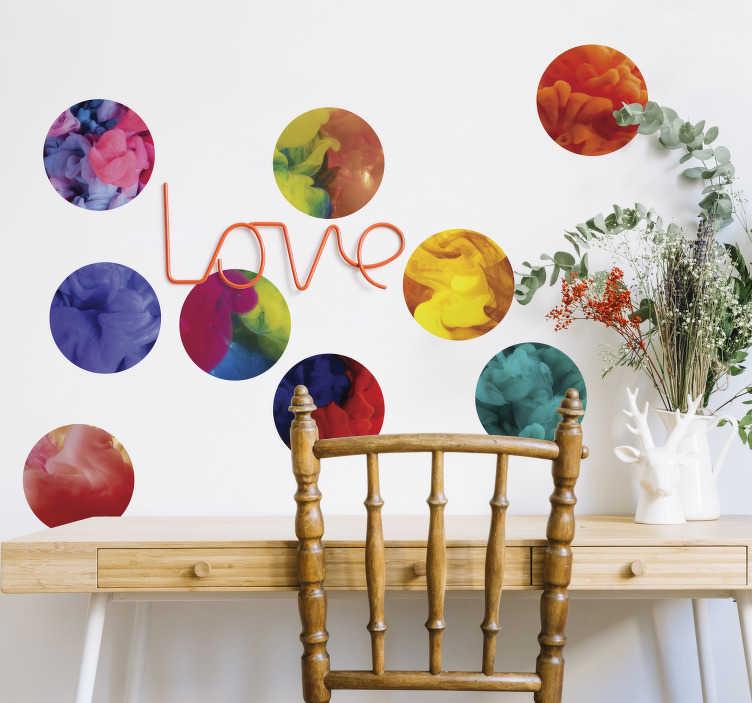 """TenStickers. Stickers ronds vapeur couleur. Set de stickers représentant des vapeurs multicolores dans des cercles . Un façon originale et dans l'air du temps de décorer vos pièces ou même vos accessoires Vous pourrez ainsi poser ces """"pastilles"""" sur toutes les surfaces lisses que vous souhaitez."""