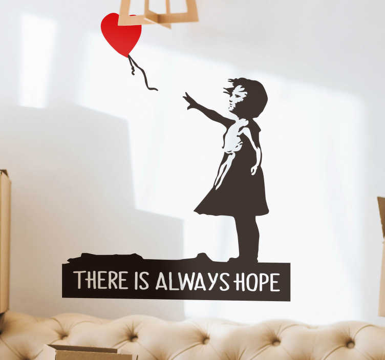 """TenStickers. Banksy zawsze mają nadzieję, że naklejka ścienna. Ta naklejka ścienna ozdobi twój pokój pozytywną wiadomością. Ta naklejka ze słynnym bankowym designem i tekstem """"zawsze jest nadzieja"""" wprowadzi do domu pozytywną atmosferę."""