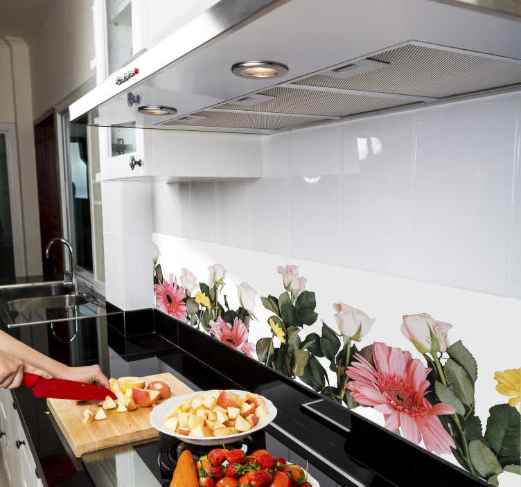TenStickers. Sierrand keuken bloemen. Decoreer de keuken leuk en eenvoudig met deze muursticker! Deze sierrand met bloemen patroon zal de wand een leuke vrolijke touch geven.