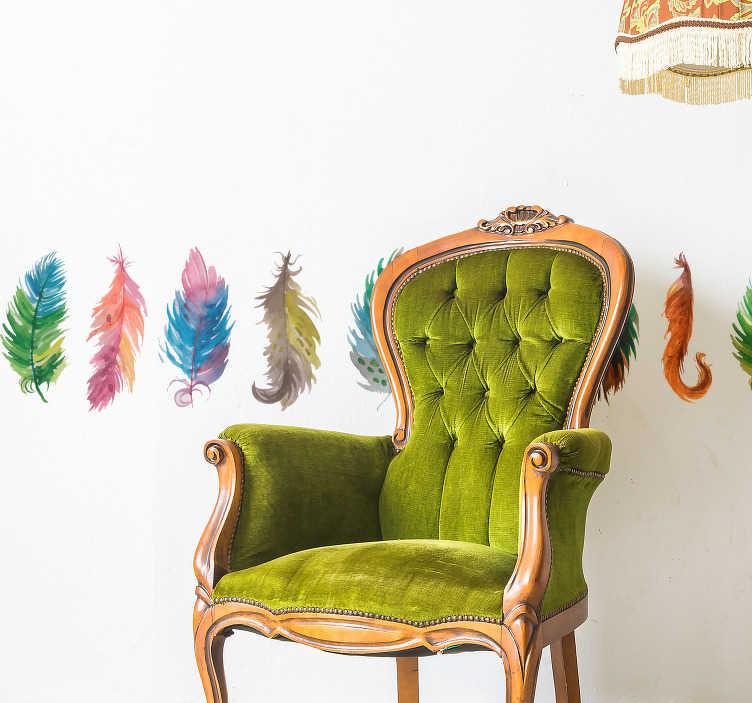 TenStickers. Sierrand gekleurde vogel veren. Breng een vrolijke en leuke touch aan in de kamer met deze gekleurde vogel veren sierrand. Het design bestaat uit verschillende fel gekleurde veren.