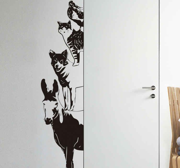 TenStickers. Autocolantes para portas musicos de bremen. Autocolantes decorativos com animais da quinta baseados num conto dos irmãos Grimm. Ideal para decorar os quartos de dormir dos pequenos lá de casa.