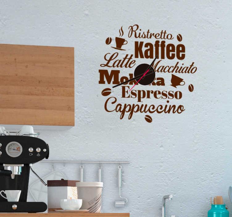 TenStickers. Wandtattoo Uhr Kaffeesorten. Wandtattoo Uhr mit einem modernen Design verschiedener Kaffeesorten Das Wandtattoo Kaffe illustriert Kaffeebohnen, Tassen und den dazugehörigen Kaffeesorten als Text . Zu der Bestellung erhalten Sie ein Uhrenwerk gratis dazu