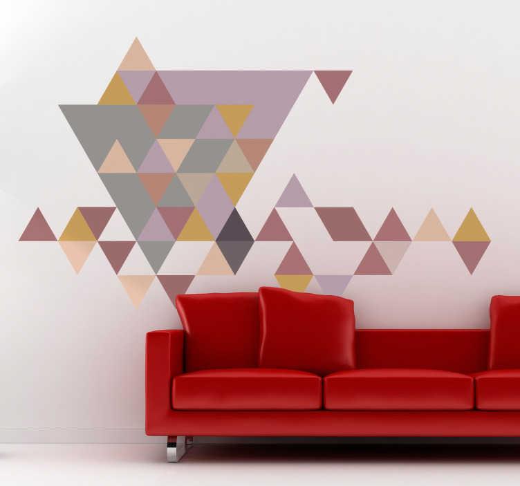 TenStickers. Muursticker driehoeken pastel. Deze muursticker bestaat uit verschillende gekleurde driehoeken met pastel tint waardoor de sticker niet te druk is maar wel sfeer geeft.