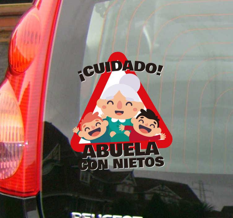 """TenVinilo. Pegatina coche abuela con nietos. Original vinilo para coche en forma de triángulo de precaución con el diseño de """"¡Cuidado! Abuela con nietos! """". +10.000 Opiniones satisfactorias."""