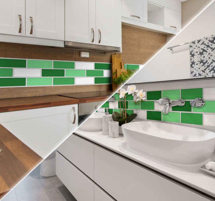 TenStickers. Tegelsticker groene behangrand. Decoreer de keuken of badkamer met deze leuke groene tegelsticker. De sticker bestaat uit verschillende groen en wit gekleurde rechthoekige tegeltjes.