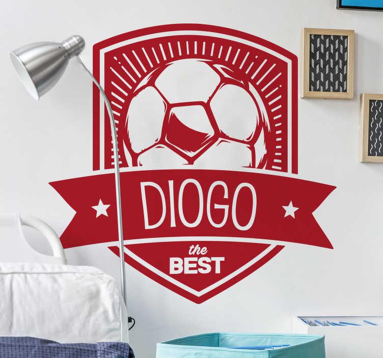 TenStickers. Adesivo de parede escudo personalizável. Dê um presente ao seu filho com este adesivo parede com um símbolo da bola em que pode colocar o nome do seu rebento no quarto dele.