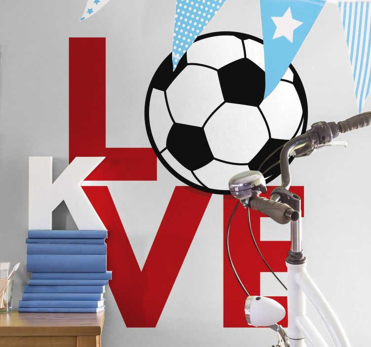 """TenStickers. Wandtattoo Fußball Love. Wandtattoo Fußball - Zeigen Sie mit einem besonderen Aufkleber Ihre Liebe zum Fußball. Das Fußball Wandtattoo illustriert das Wort Love in roter Schrift und einen Fußball, der das """"O"""" ersetzt."""