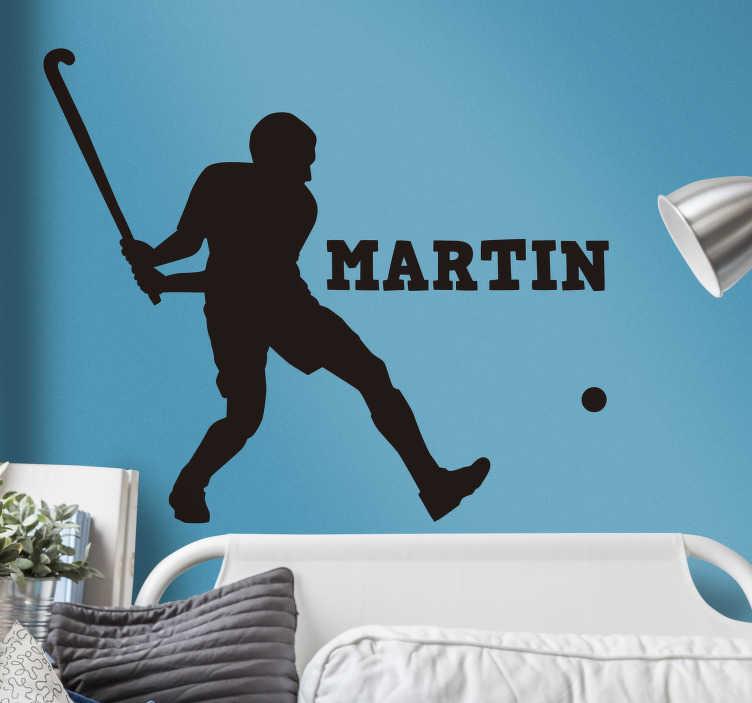 TenStickers. Muursticker hockey persoonlijk. Decoreer de muren in de kamer met dit leuke design van een hockey speler. Deze muursticker is perfect voor iedereen die van hockey houdt en de kamer nog een persoonlijk tintje wil geven.