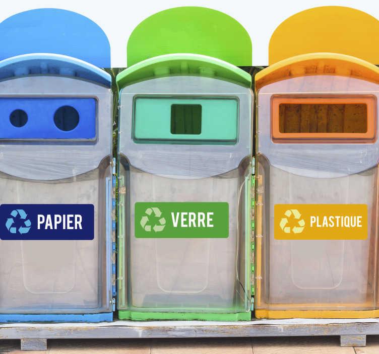 TenStickers. Stickers recyclage papier verre plastique. Stickers pictogramme représentant les 3 options de tri les plus communes. Grâce à ces sticker recyclage, vous pourrez vous rappeler comment bien trier vos déchêts. Des autocollants pour poubelles qui rendront plus clair le tri sélectif chez vous ou dans votre établissement.
