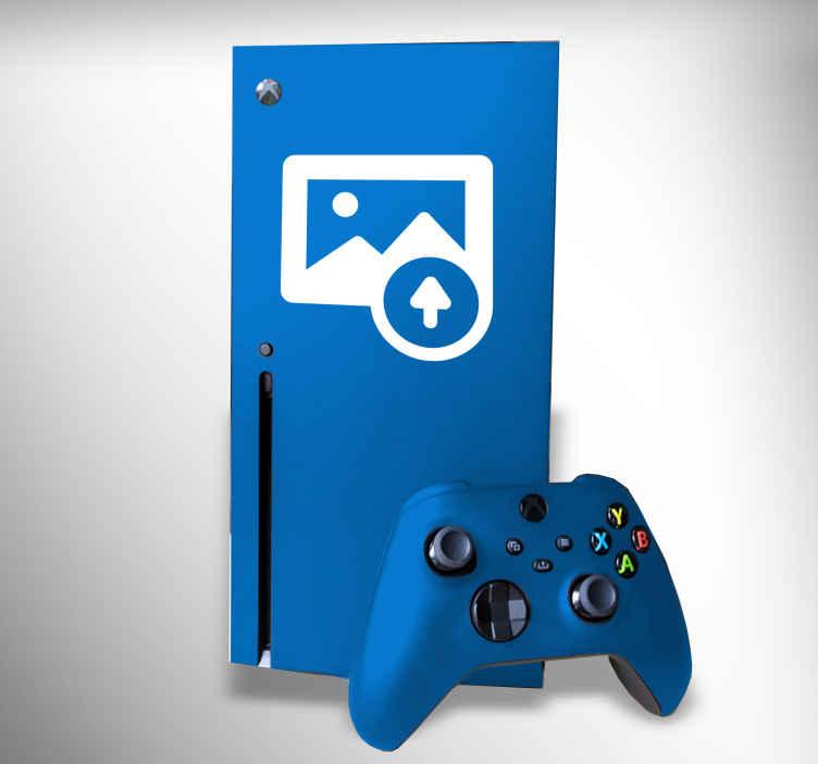 TenStickers. Naklejka na Xbox z Twoim zdjęciem. Dzięki tej oryginalnej naklejce, Twój Xbox będzie zupełnie wyjątkowy! Wyślij nam zdjęcie, które chcesz umieścić na Xbox i spraw, żeby Twoja konsola była jedyna w swoim rodzaju!