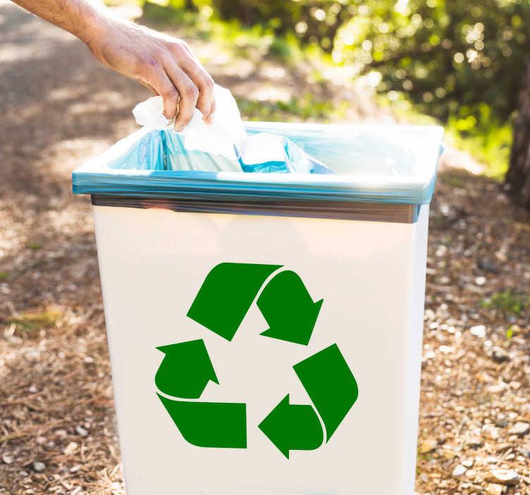 TenStickers. Vinil decorativo reciclagem. Temos para você novas ideias de decorar os seus objetos. Dessa vez decore o seu lixo com este vinil decorativo com símbolo da reciclagem.