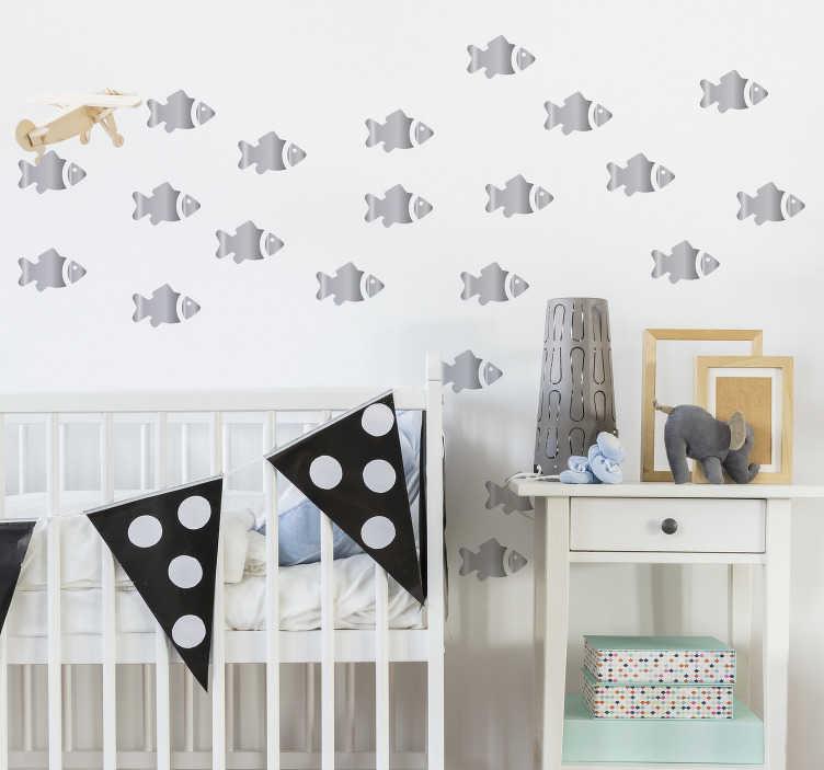 TenVinilo. Vinilo de peces infantiles plateados. Pegatinas de peces con una textura que recrea tonos metalizados o plata, ideal para personalizar la decoración de estancias infantiles.