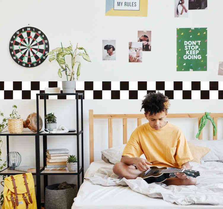 TenStickers. Autocolante de parede infantil corrida. Este autocolante de parede infantil com o padrão de corrida para dar um toque diferente ao seu quarto de seu filho, vinil azulejo para fãs de corridas.
