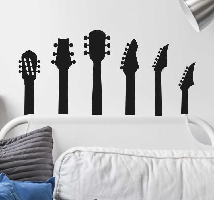 TenStickers. Muziek muursticker gitaren. Laat uw liefde voor gitaren, Heavy metal of Rock muziek zien. Op deze muursticker is de bovenkant van zes gitaren te zien. Perfect voor de tienerkamer.