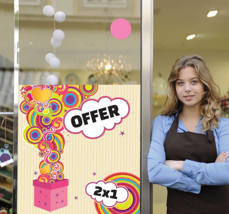 TenStickers. Naklejka prezent niespodzianka. Kolorowa naklejka na ścianę reprezentująca prezent z niespodziankami, któremu towarzyszą dwie chmurki na których możesz umieścić dowolny napis.