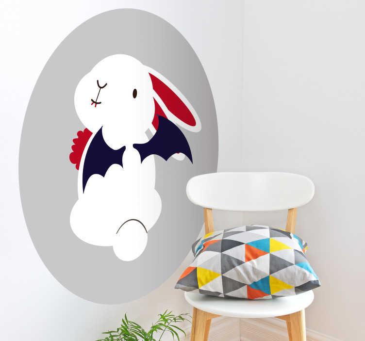 TenStickers. Naklejka Halloween: królik ze skrzydłami nietoperza. Naklejka ścienna, przedstawiająca króliczka ze skrzydłami nietoperza. Ta fantastyczna naklejka idealnie nada się do pokoju dziecka, ale może służyć także jako dekoracja na Halloween! Wyprzedaż się kończy – nie czekaj, zamów taniej teraz!