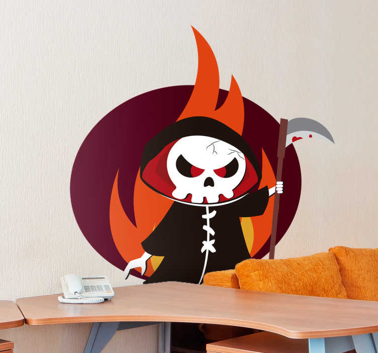 TenStickers. Naklejka na Halloween: szkielet na tle płomieni. Naklejka ścienna, przedstawiająca szkielet z kosą, wyłaniający się z płomieni. Naklejka wbrew pozorom jest bardzo zabawna i spodoba się nawet dzieciom! Idealna dekoracja na Halloween! Wyprzedaż się kończy – nie czekaj, zamów taniej teraz!