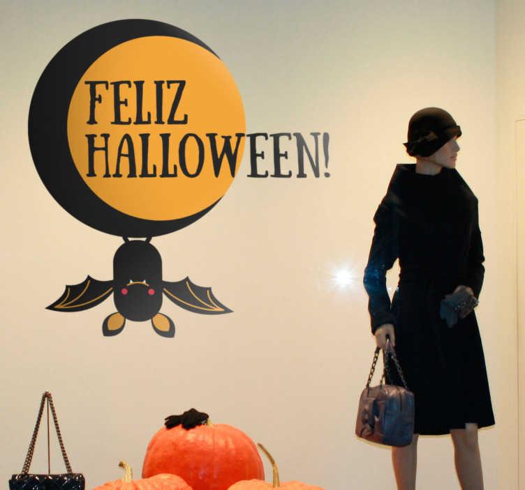 TenVinilo. Pegatina Halloween luna y murciélago. Vinilo decorativo Halloween para decorar negocios en esta fiesta cada vez más popular. Una forma sencilla y efectiva de personalizar tu tienda.