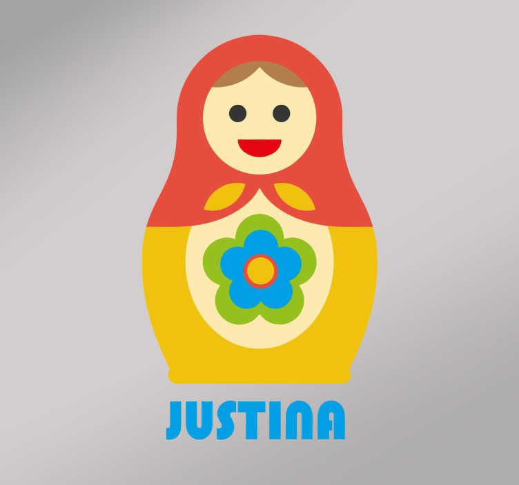 TenStickers. Naklejka na ścianę Matrioszka + imię dziecka. Naklejka ścienna, przedstawiająca Matrioszkę, rosyjską zabawkę w kształcie lalki, na której możesz umieścić dowolny napis! Wyprzedaż się kończy – nie czekaj, zamów taniej teraz!