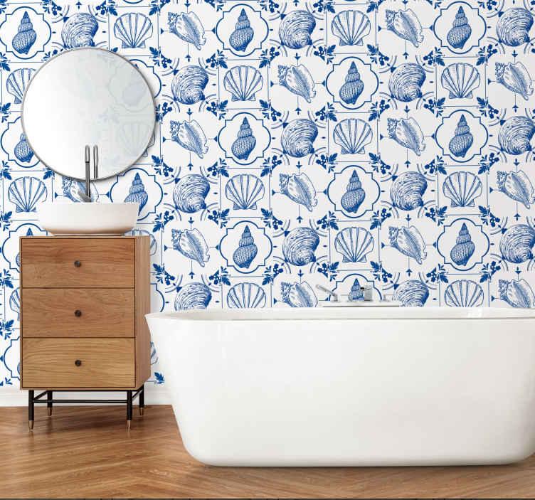 TenVinilo. Vinilo marinero conchas y caracolas. Cenefa adhesiva en tonos azules y blancos con motivos marinos ideal para baños o cocinas. Personaliza tu vinilo desde 2.99€