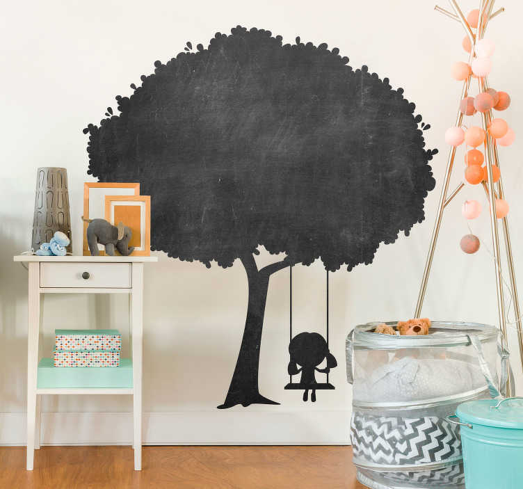 TenVinilo. Vinilo pared para niños árbol infantil. Original pizarra adhesiva formada por el diseño de un árbol, un columpio colgante y una niña subida en él. Descuentos para nuevos usuarios.