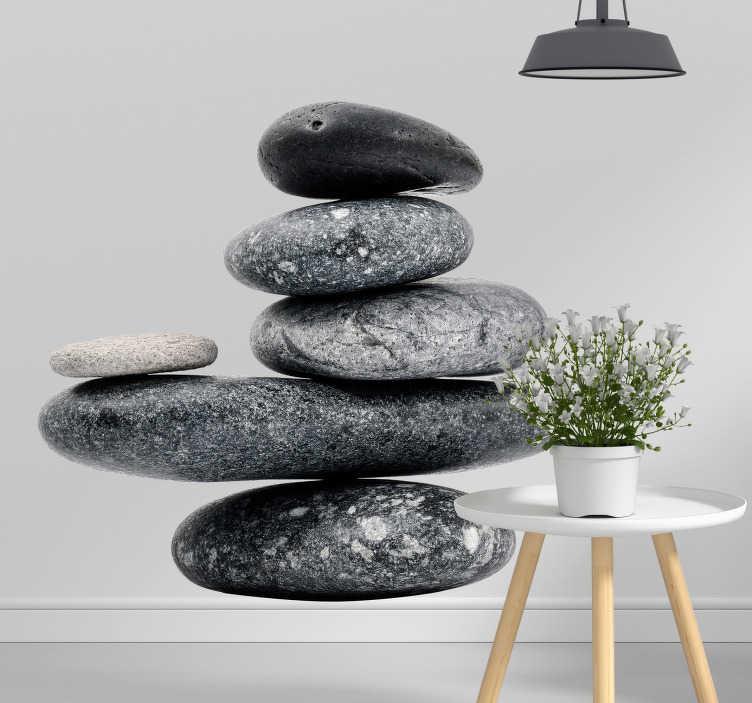 TenStickers. Fredelige sten væg vægmaleri klistermærke. Skabe en fredelig atmosfære i stuen eller soveværelset med denne væg klistermærke med seks fredelige sten. Dimensioner justerbar.