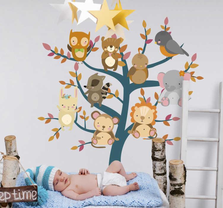 TenStickers. Boom muursticker met dieren. Breng de babykamer of kinderkamer tot leven met deze muursticker waar een boom en verschillende dieren op zijn afgebeeld. 10% korting bij inschrijving.