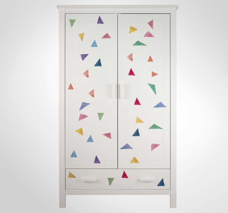TenStickers. Kinderkamer muursticker pastel kleurig driehoek. Creëer een vrolijke look in de slaapkamer met deze pastel kleurige driehoeken. Plaats de meubelsticker en kaststickers of deurstickers.