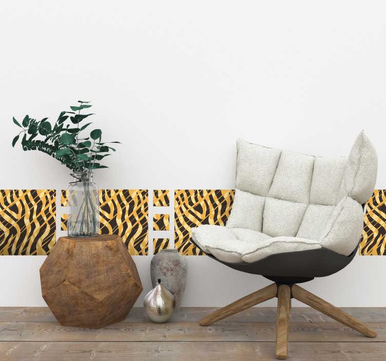 TenVinilo. Vinilo casa estampado animal print tigre cenefa. Vinilo geométrico con estampado animal print de tigre  formado por cuadrados de dos tamaños diferentes. Vinilos Personalizados a medida